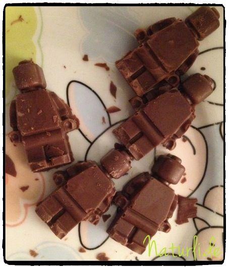 Leckere LEGO-Figuren! LEGO-Schokolade; selbstgemacht mit der entsprechenden Silikonform.