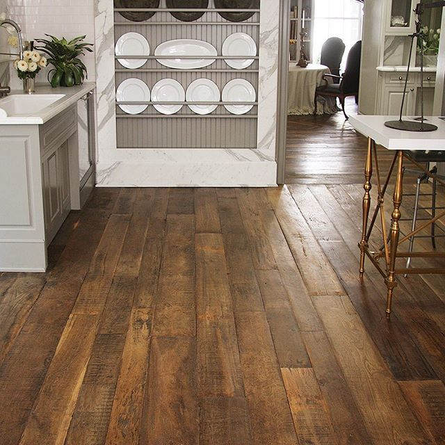 Farmhouse Kitchen Floor Ideas: Large Planks In Veranda's House Of