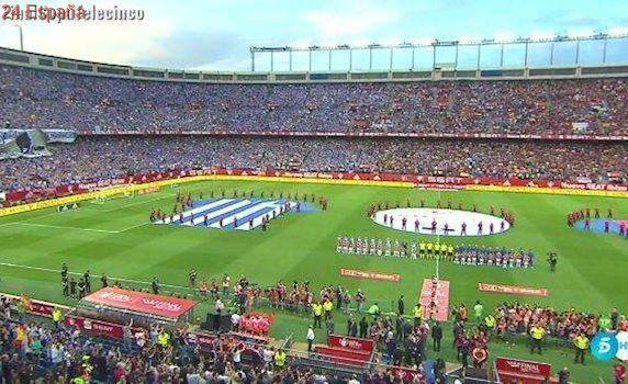 Sonora pitada al himno de España en la final de Copa entre Barça y Alavés