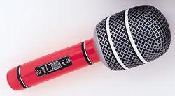 Dmuchany mikrofon przyda się podczas rockowego karaoke