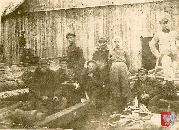 These Polish citizens were among the 2 million Poles deported in the 1940s and sent to Siberian slave labor. Courtesy: Kresy-Siberia Foundation.  #stalin #poland #history #worldwar2
