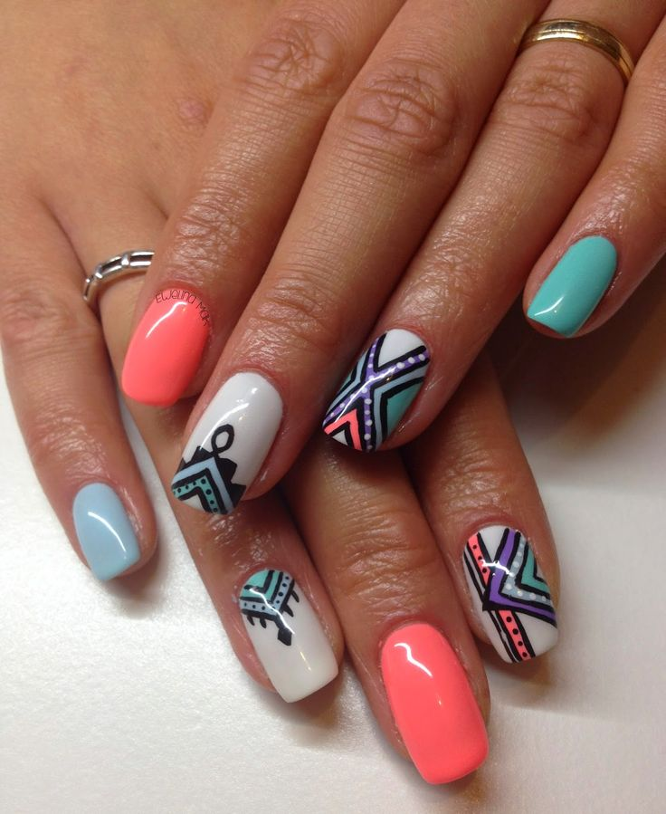 geometric nails :DDDD #nails #nailart #nail #geometric #2014  http://poppy-nails.blogspot.co.uk/