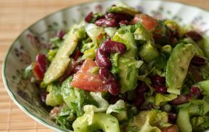 Recipe thumb akis petretzikis crunchy chopped salad 2