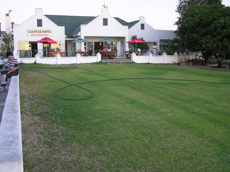 Velddrif & Port Owen is located approximately 145 kilometres (90 mi) north of Cape Town, and is connected to Cape Town by the R27 road