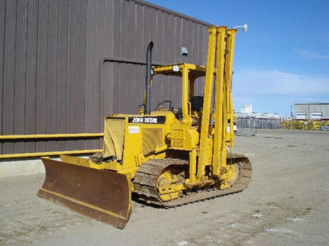 John Deere Pipelayers http://www.rockanddirt.com/equipment-for-sale/JOHN-DEERE/pipelayers