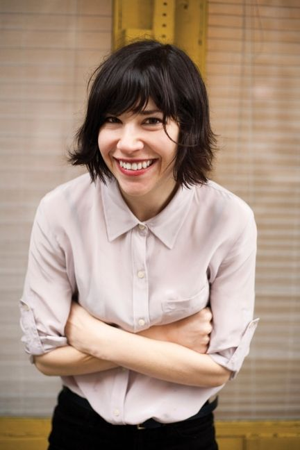I love Carrie Brownstein's hair. And her style. And her humor.