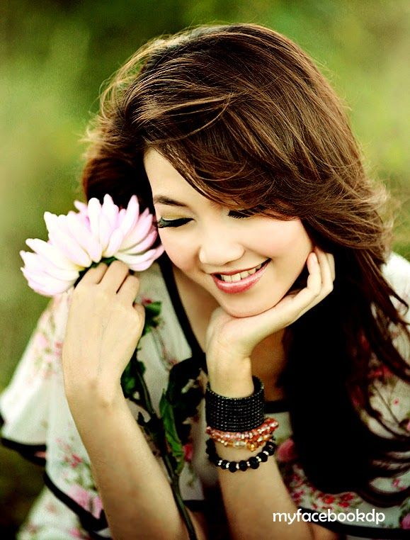 Cute girl warm smile facebook dp pinterest warm for Cute display pictures