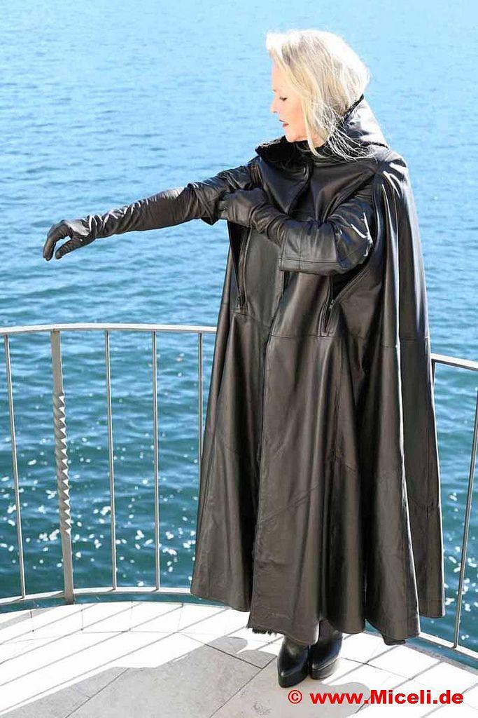 alle gr246223en leathercape and pantboots flickr