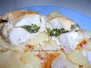 Petto di pollo con ripieno di spinaci (chicken stuffed with spinach)
