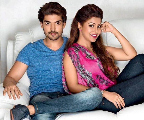 Gurmeet Choudhary and Debina Bonnerjee have been in love with each other since they were teenagers. And their love story is still being written with a new chapter added, every now and then. The latest one is a surprise for a Debina herself. Recently, Gurmeet suprised his wife by... http://indytags.com/gurmeet-choudhary-gives-wife-debina-bonnerjee-her-dream-house-as-a-pre-birthday-gift/
