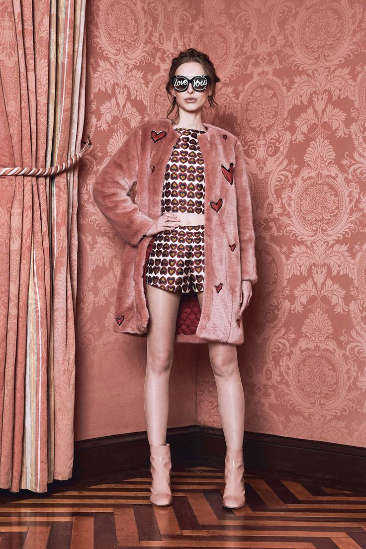 Alice + Olivia Fall 2017 Ready-to-Wear Collection Photos - Vogue
