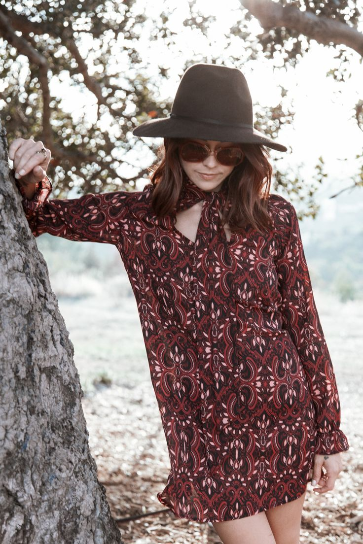 The perfect fall dress with a retro red pattern.