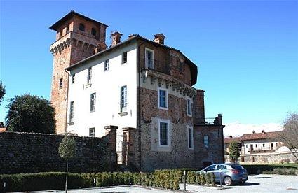 Italienische Lebensart im rustikalen Schloss im Piemont. Bei fewoVista.