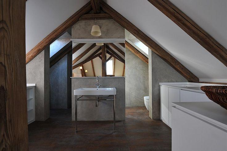 Tam, kde by bylo nutné řezat obklady, je betonepox ideální.