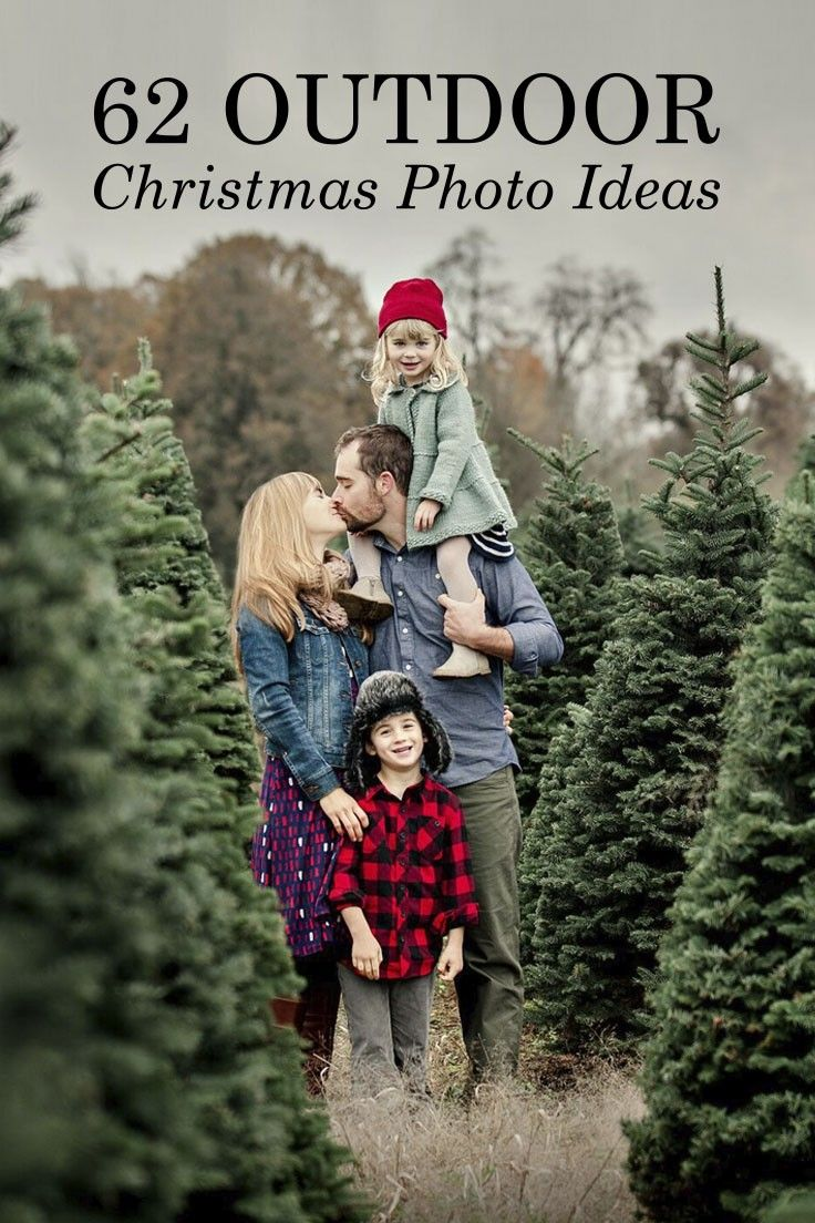 Bring the photo shoot outside this year with these outdoor holiday card photo ideas from Tiny Prints.