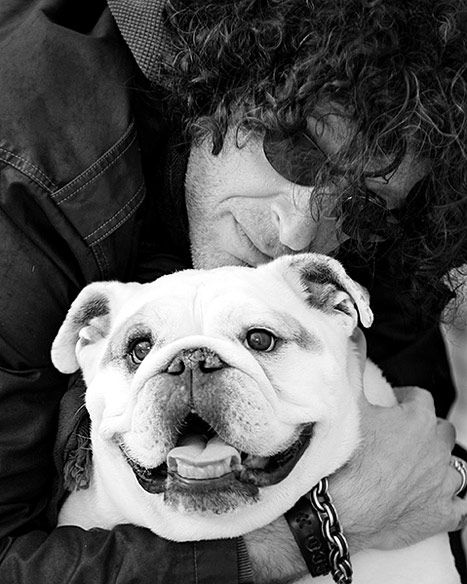 Howard Stern and Bianca. What a great picture. That dog has the sweetest eyes.