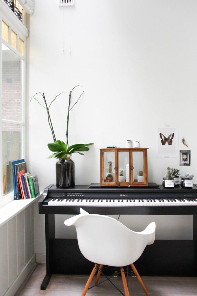 Best 25 piano decorating ideas on pinterest - Piano for small space decoration ...