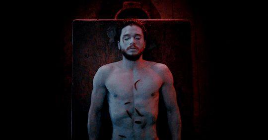 "Understandably, Kit Harington Compares Filming Jon Snow's Resurrection Scene to ""a Teenage Boy's Wet Dream"""