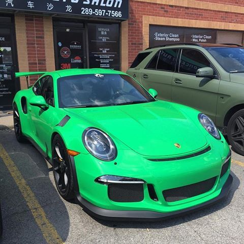 My friend @prc_happy's PTS Signal Green 991 GT3 RS in my hometown of Toronto, Canada. Excited to see it later this summer. : @feedmycars | Follow @ptsrs and join the #PTSRS movement for the latest on the newest #painttosample Porsche 991 GT3 RS's, and soon 911 R's.