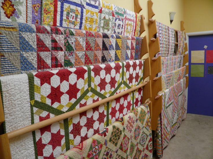 17 best images about quilt rack on pinterest wall ideas for Quilt and craft show