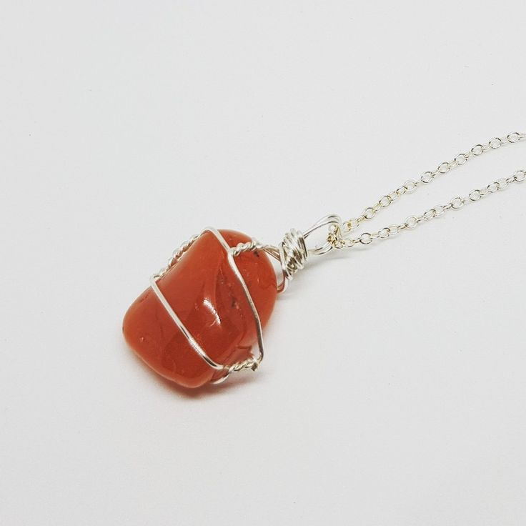 Warming up the winter months with the beautiful red and orange tones of carnelian ❤   #handmade #handmadejewellery #jewellery #wirewrapped #carnelian #wirewrapping #crystal #crystals #gemstones #jewellerymaking #jewelrymaking #handmadejewelry