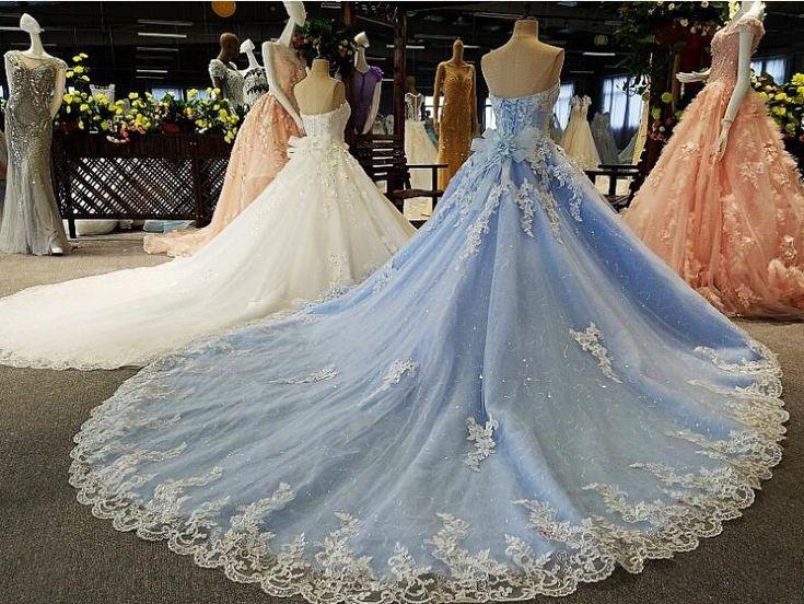 ウェディングドレス★カラードレス★水色★白★2択1★予約製作★床まで着くタイプとトレーンがあるタイプとの二タイプがあり★贅沢ドレス_画像1