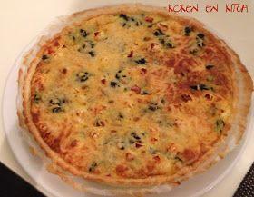 ... in een handomdraai een lekkere   en gezonde quiche!!       Nodig:   1 pak deeg voor hartige taart of quiche   8 kerstomaten, gehalvee...