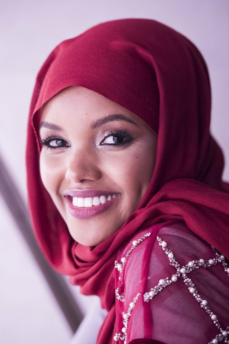 Halima Aden Made Her Mark At London's First Modest Fashion Festival | HuffPost UK