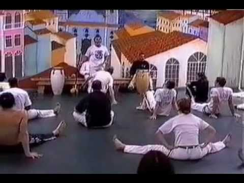Jogo De Capoeira (The Game of Capoeira) - Documentary feat. Mestre Acordeon & Mestre Ra [28min]