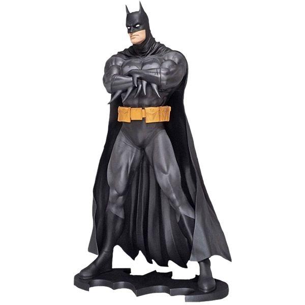 Batman DC Classics Life-Size Statue