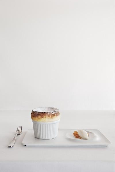 Soufflé lleuger amb aroma de Grand Marnier. Maridat amb Par Naranja. Restaurant Els Tinars. www.elstinars.com