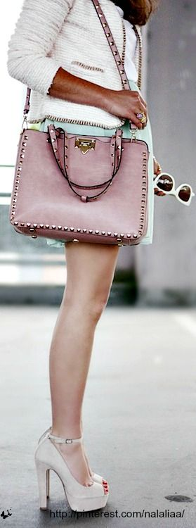 Street style - Valentino studded bag