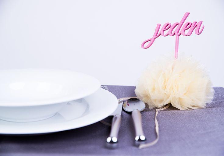 Znaczniki na stoły weselne
