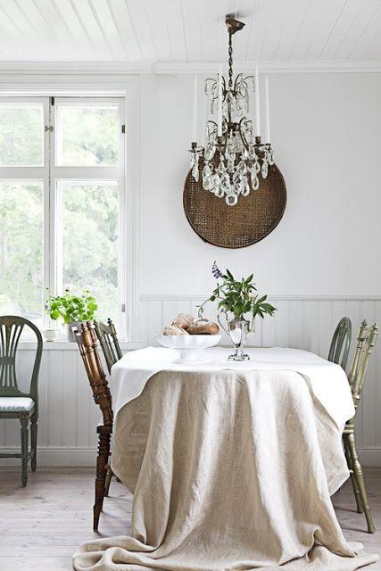 Oversized linen tablecloth.