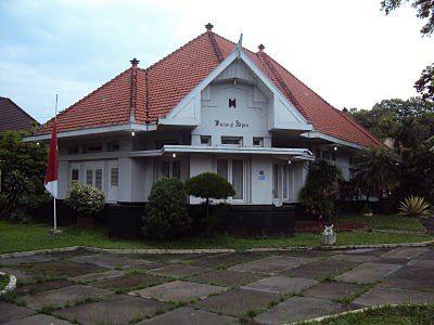 Hasil gambar untuk rumah artdeco kolonial