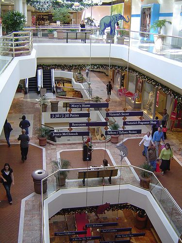 3rd top mall in the US South Coast Plaza Mall in Calif. Visit www.stylebymadeline.com @madelinerosene