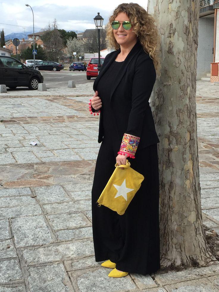 #look black and yellow con #stilettos de @lolitablu