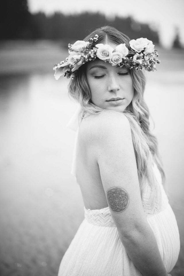 Beautiful Maternity Photoshoot on Vancouver Island BC Makeup by: Cydney Sjostrom Makeup Hair by: Chantelle Battie @ Lovely Locks Studio Photography by: Serene Photography Flower crown, Pregnancy, Maternity Shoot