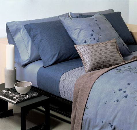 17 best images about calvin klein bedding on pinterest for Calvin klein jardin collection