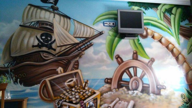Alojamiento tematico,a 5 min del parque Warner,habitacion tematica pirata.mas info en:volantehostal@gmail.com