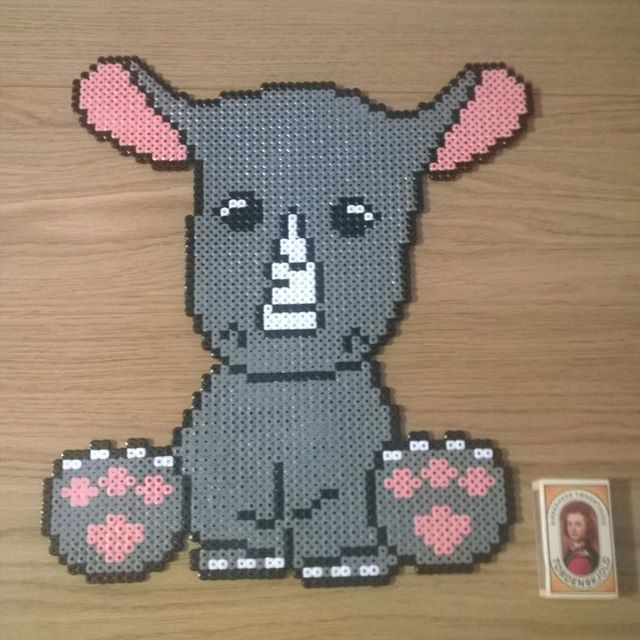 Rhino hama beads by  marlenebanghalgaard - Pattern: https://de.pinterest.com/pin/374291419013031080/