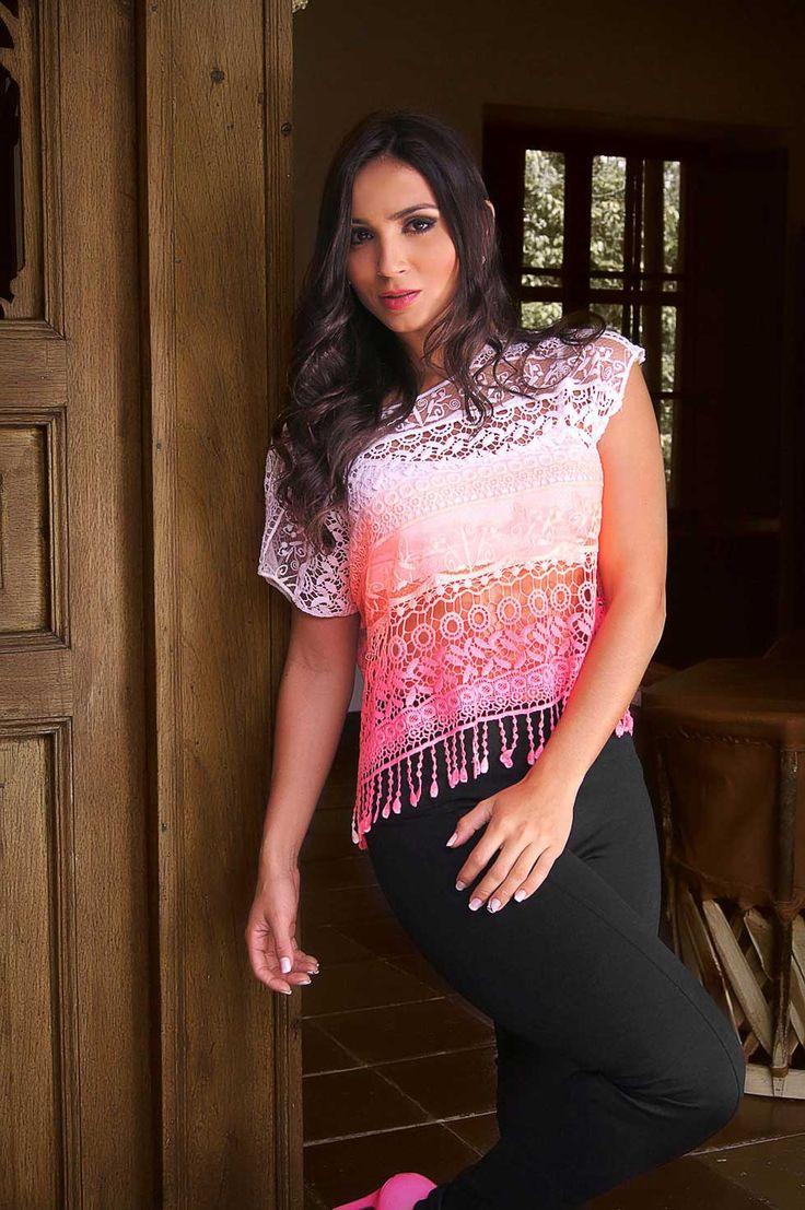 El crochet es una tendencia vintage y veraniega ideal para lucir un estilo fresco y cómodo de una manera muy sencilla. Encuentra esta blusa y mas prendas en este tejido solo en melomido.com  Que esperas para llevar la moda a tu armario! - See more at: http://melomido.com/post_melomido/lookbook-13-04-15#sthash.iJIBGKwD.dpuf
