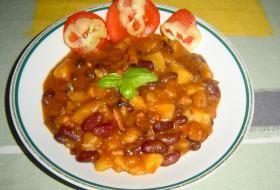 fazolový guláš s bramborem   recept