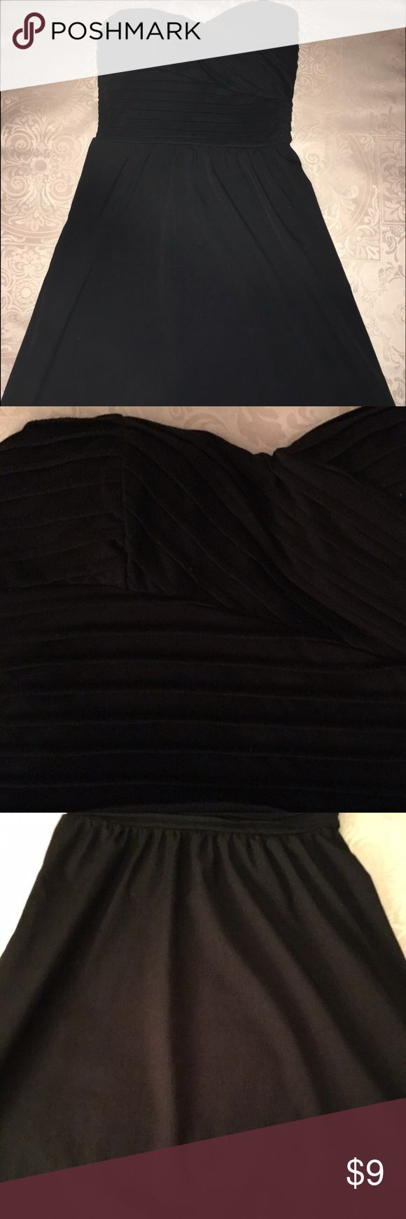 Guess dress size small Guess size small black tube top dress. Great quality! Worn one time. Light and sweet dress. Very slimming and cute! Guess Dresses Mini