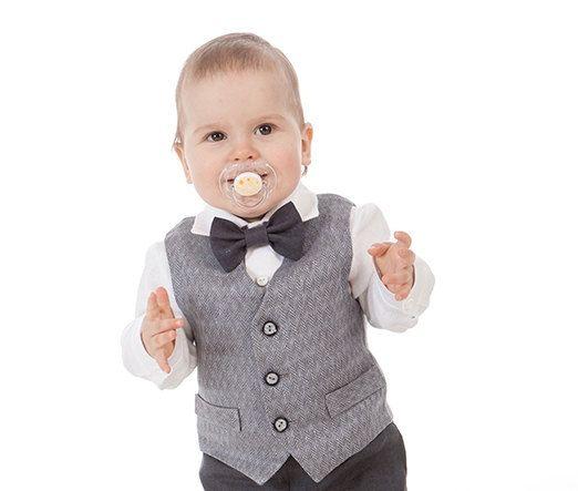 Gilet de garçon de bébé anneau porteur gilet noeud par Graccia