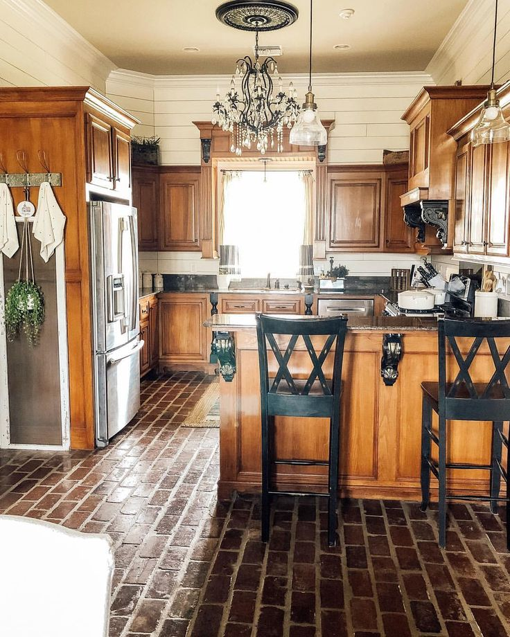 Stained Pine Kitchen Cabinets: Farmhouse Kitchen , White And Wood Kitchen ,farmhouse