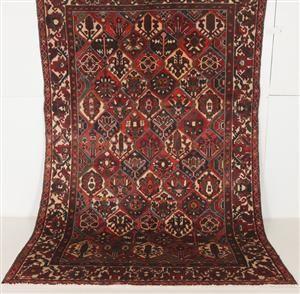 Lauritz.com - Orientaliska mattor - Handknuten persisk matta, Bakhtiari 310 x 210 cm - SE, Malmö, Baltzarsgatan