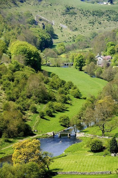 The glorious Peak District in the UK