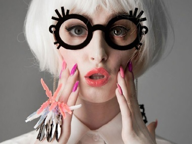 Kid-n-Play coolness and yet still pretty, and kinda girly. Would love to see Iris Apfel rocking a pair of these!