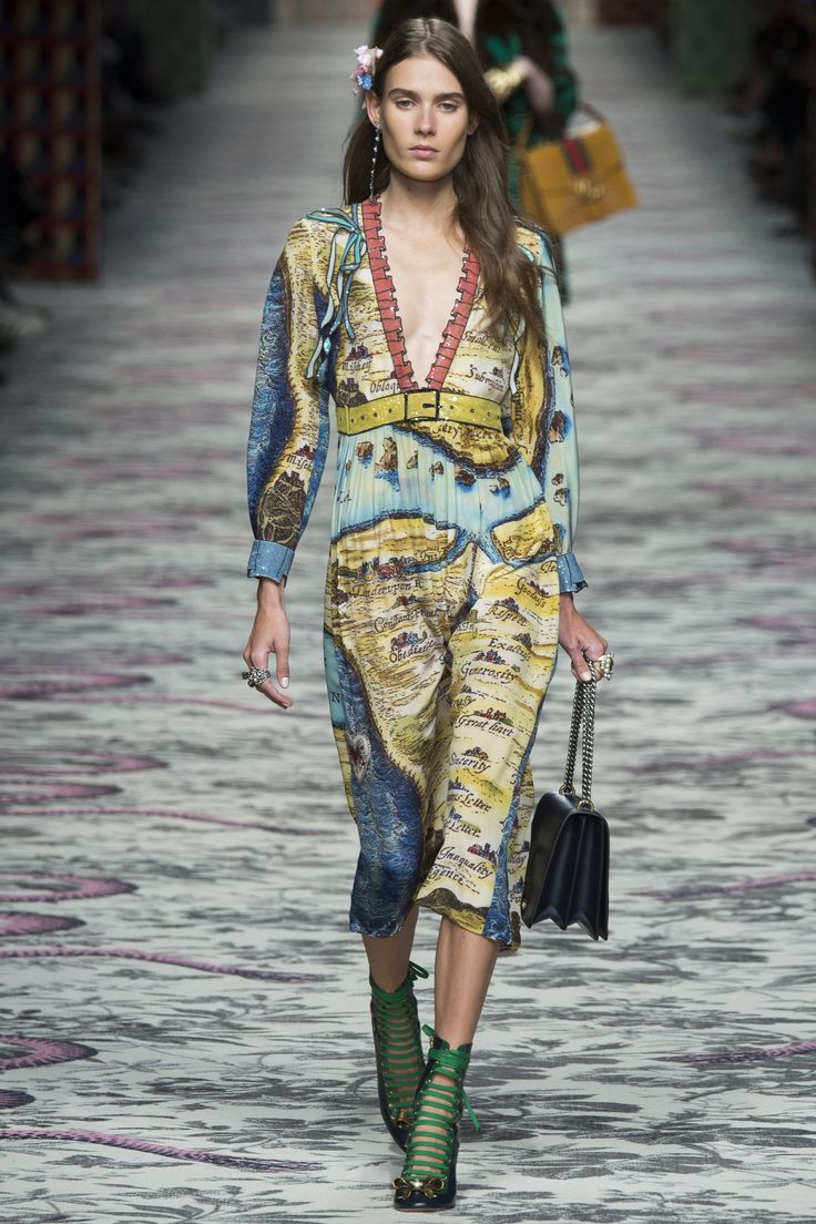 1000 images about gucci gucci goo on pinterest resorts for Runway fashion show video